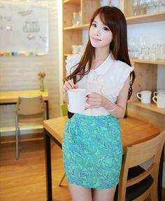 Kim Shin Yeong Ulzzang Fashion, Ulzzang Girl, Korean Fashion, Mode Lookbook, Fashion Lookbook, Korean Girl, Lace Skirt, Kawaii, Elegant