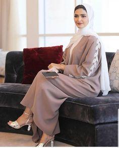 Do you prefer coloured or black Abayas! The abaya is by 😍 Iranian Women Fashion, Islamic Fashion, Muslim Fashion, Modest Fashion, Fashion Outfits, Stylish Outfits, Style Fashion, Abaya Designs, Street Hijab Fashion