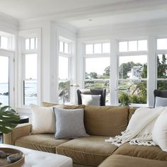 Living Room Cosy Lakehouse Style Design Ideas, Pictures, Remodel, and Decor - page 4