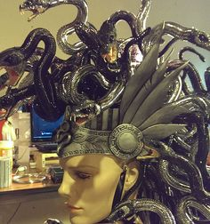 Contest winning Medusa Hallowen Costume by Angie Hill, DeadSpider. Look through the gallery to learn how to create your own costume. Aranamuerta.