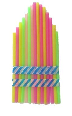 This simple straw pan flute project is a great way for kids to experience and explore sound! Green Crafts For Kids, Easy Art For Kids, Book Crafts, Kid Crafts, Crafts To Make, Straw Flute, Pan Flute, Science Activities For Kids, Kids Playing