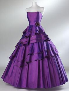 2012 Style Ball Gown Strapless Beading Sleeveless by lassdress