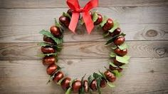 DIY - DIY: décoration automnale aux châtaignes - Lilly is Love Cheap Fall Crafts For Kids, Easy Fall Crafts, Fall Diy, Fun Crafts, Diy And Crafts, Wood Crafts, Conkers Craft, Easy Fall Wreaths, Fall Decor