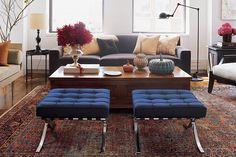 красивые подушки на диване, приятная цветовая гамма