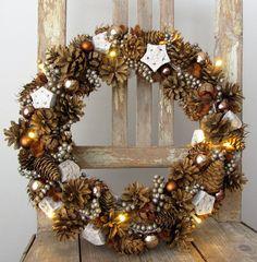 Christmas-wreath Christmas Wreaths, Holiday Decor, Home Decor, Toilet Paper, Christmas Garlands, Homemade Home Decor, Holiday Burlap Wreath, Decoration Home, Interior Decorating