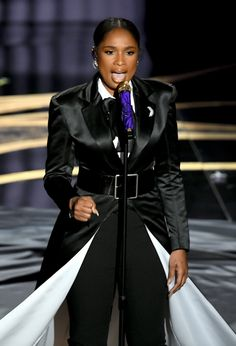 Jennifer Hudson Photos - Jennifer Hudson performs onstage during the Annual Academy Awards at Dolby Theatre on February 2019 in Hollywood, California. - Annual Academy Awards - Show Constance Wu, Mahershala Ali, Best Supporting Actor, Amy Poehler, Jennifer Hudson, Trail Blazers, Oscar Winners, Badass Women, Best Actress