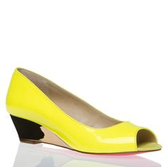 Nico >> Really cute, love the heel and the bright yellow!
