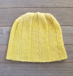 Picket hat pattern by Maura Kirk (knitting, beanie, toque, the fibre company) (free)