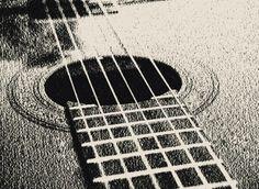 Dessin réaliste par Florence B : Rosace guitare classique
