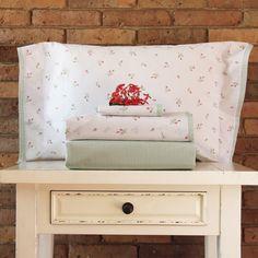 Juego de sábanas de 200 hilos Basic Diseño Rositas Coral.
