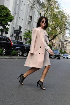 Zawsze gdy jestem w okolicy ul. Mokotowskiej wpadam choć na chwilę do butiku LeBrand. Panuje tam elegancki, niezwykle przyjemny klimat. Wiosenna kolekcja to jak zawsze nienaganna, znakomicie wykona…