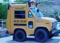 Veículos Bizarros by Daniel Alho / A VERY little school bus.