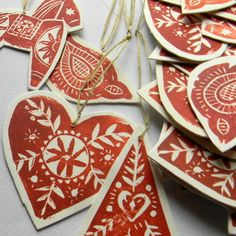 lino print--this would be an interesting idea to try and recreate with potato/cork stamps :D