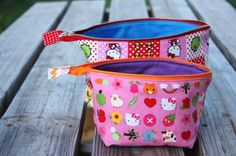 Tutorial for a zippered pouch that opens wide and stands well on its own. These would be great for organizing a purse or to give a gifts filled with lip gloss or nail polish.