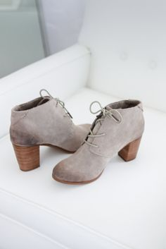 Sophisticated and stylish the TOMS Lunata Lace-Up Booties are sure to elevate your look.