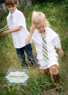 love the white shirts & ties on both boys & girls...would be ADORABLE with holiday-themed ties!  could do with WHOLE family?