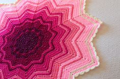 Ravelry: Rainbow Ripple Baby Blanket pattern by Celeste Young - pretty! Crochet Ripple, Crochet Afgans, Crochet Round, Crochet Yarn, Free Crochet, Free Baby Blanket Patterns, Crochet Blanket Patterns, Baby Blanket Crochet, Knitting Patterns