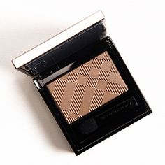 Burberry Nude (No. 002) Wet & Dry Glow Shadow Review & Swatches