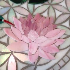 Best 12 Make Roses in mosaic click now to see more – SkillOfKing. Stained Glass Crafts, Mosaic Crafts, Mosaic Projects, Stained Glass Patterns, Mosaic Patterns, Mosaic Birdbath, Mosaic Tray, Mosaic Tile Art, Mosaic Artwork