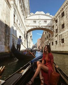 Gondola ride under the Bridge of Sighs ❤ Venice,Italy // by Jessica Stein ( Europe Outfits, Italy Outfits, Gondola Venice, Venice Italy, Italy Italy, Venice Canals, Milan Italy, Venice Beach, Venice Map
