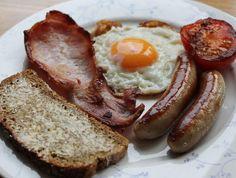 Weekends are made for this: Irish breakfast with McCambridge Irish Soda Bread. Irish Breakfast, Soda Bread, Sausage, Food, Sausages, Essen, Meals, Yemek, Eten