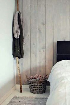 bedroom wall painting the past Guest Room Paint, Basement Guest Rooms, Home Bedroom, Bedroom Wall, Bedrooms, Wood Wall, Home And Living, Decoration, Interior Inspiration
