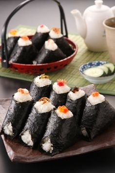 onigiri i want to make a boat load of these for a picnic