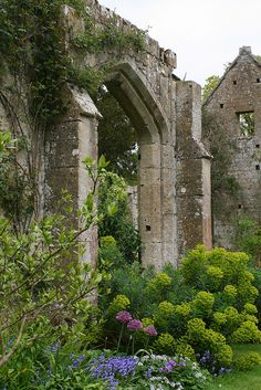 SUDELEY CASTLE GARDENS by Mijkra, via Flickr