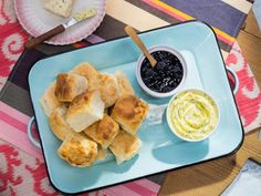Get Callie's Charleston Biscuits Recipe from Food Network. And homemade savory thyme butter ☺ Breakfast Pizza, Breakfast Recipes, Breakfast Scones, Breakfast Casserole, Brunch Recipes, Kitchen Recipes, Cooking Recipes, Bread Recipes, Thing 1