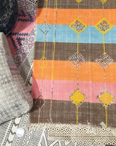 Colleen Bashaw Design // Beautiful cotton rugs and textures @fillingspacesdesigns @ny_now