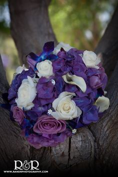 Bridal Bouquet | Wedding Arrangement | Purple | #bridalbouquet #weddingarrangements #purple #RandRCreativePhotography