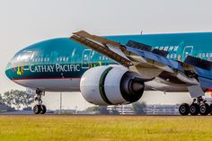 Airplane Photography, Cathay Pacific, Boeing 777, United Airlines, Wide Body, Air Travel, Flight Attendant, Volvo, Airplanes