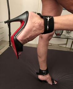 Sexy Legs And Heels, Hot Heels, Sexy High Heels, Female Feet, Ankle Strap Sandals, Black Pumps, Heeled Mules, Stiletto Heels, High Hells