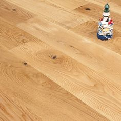 Gold Series Engineered Oak Flooring - 18/4 x 190mm Lacquered. From only £28.49 per m2.
