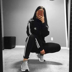 lazy day outfits for college Chill Outfits, Sporty Outfits, Mode Outfits, Trendy Outfits, Fashion Outfits, Womens Fashion, Cute Addidas Outfits, Fashion Ideas, Fashion Inspiration