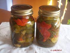 O GARFELO: PIMIENTOS EN CONSERVA Chutney, Pickels, Canning Pickles, Vinaigrette, Preserves, Mason Jars, Food And Drink, Ideas, Salads