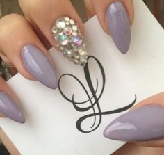 45 Pointy Almond Nail Designs worth Trying Fancy Nails, Trendy Nails, Love Nails, Stiletto Nail Art, Acrylic Nails, Manicure Gel, Pedicure, Uñas Fashion, Fashion Beauty