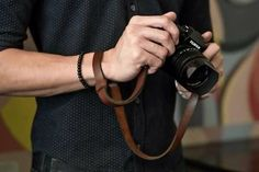 Prevent your camera from falling off with this 2 in 1 neck and hand strap by KAWA Pro Gear I info@kawaprogear.com