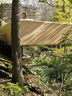 Fallingwater - Frank Lloyd Wright From a different angle! Frank Lloyd Wright Buildings, Frank Lloyd Wright Homes, Falling Water House, Falling Waters, Falling Water Frank Lloyd Wright, Architecture Design, Geodesic Dome, Old Houses, Hobbit Houses
