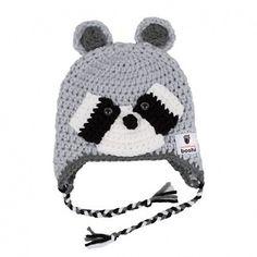 Eine Kindermütze mit Bärchen-Motiv, die für gute Laune sorgt: Jetzt Häkelanleitung günstig im Häkelset als DIY-Kit bestellen!