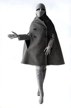 Peggy Moffitt in cloak 1960s Fashion Women, Mod Fashion, Fashion Models, Vintage Fashion, Fashion Outfits, Womens Fashion, Vintage Style, Book Photography, Editorial Photography