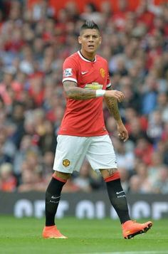 Marcos Rojo on his debut vs QPR Manchester United 2014, Manchester United Football, World Football, Man United, Cool Photos, Soccer, The Unit, Running, Sports