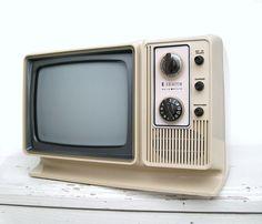 Vintage 1970s Zenith Television Set