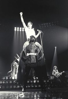 Epic!! Queen Fredy Mercury