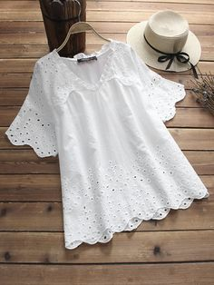 Hollow Laced Embroidered Patchwork Half Sleeve Vintage Blouses Source by fashion chic Chic Outfits, Trendy Outfits, Fall Outfits, Cheap Blouses, Blouses For Women, New Blouse Designs, Embroidery Fashion, Blouse Vintage, Embroidered Blouse
