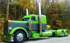 Green and grey Peterbilt Peterbilt 379, Peterbilt Trucks, Chevy Trucks, Pickup Trucks, Lifted Chevy, Mack Trucks, Show Trucks, Big Rig Trucks, Old Trucks