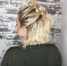 The Faux Hawk trend meets the Bubble Braid + we couldn& be happier . - The Faux Hawk trend meets the Bubble Braid + we couldn& be happier - Up Hairstyles, Pretty Hairstyles, Faux Hawk Hairstyles, Workout Hairstyles, Modern Hairstyles, Braids For Short Hair, Cute Short Hair Updos, Short Hair Buns, Easy Hairstyles For Short Hair