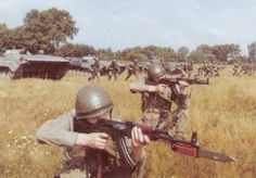 Polish People`s Army infantry training. Army Tumblr, Army Training, Warsaw Pact, Army Infantry, Soviet Army, Military Pictures, Red Army, Military Weapons, Cold War