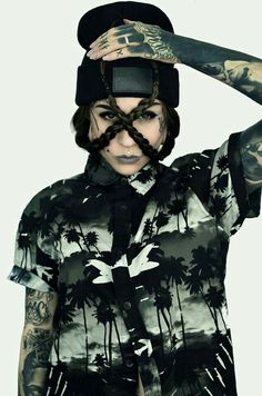 Great at direction for a look book. This girls style and look goes incredible with the product. Monami Frost, Tattoed Women, Tattoed Girls, Inked Girls, Full Body Tattoo, I Tattoo, Girl Tattoos, Tatoos, Fashion Tattoos