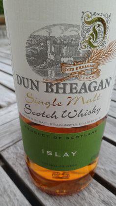 Whisky DUN BHEAGAN 6 Ans 43° Single Malt... 1- Nez : Fumé, iodé, médicinal, note marine.. 2 - Bouche : Tourbe brûlée, fumé, une pointe médicinale, floral, une touche de caramel... 3 - Finale : Tourbe, fumé, grillé...,
